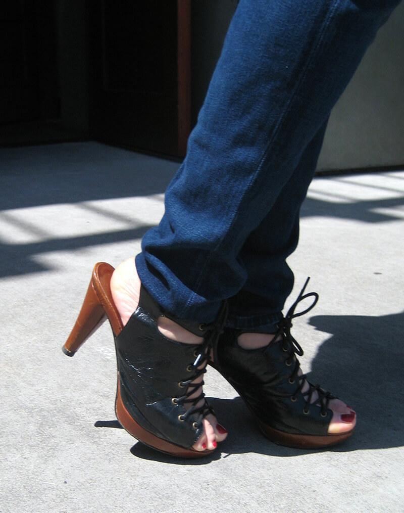 Lizzie_black_shoes